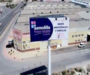 """Naves industriales y suelo industrial en venta y alquiler en el polígono industrial de Abanilla """"El Semolilla"""""""